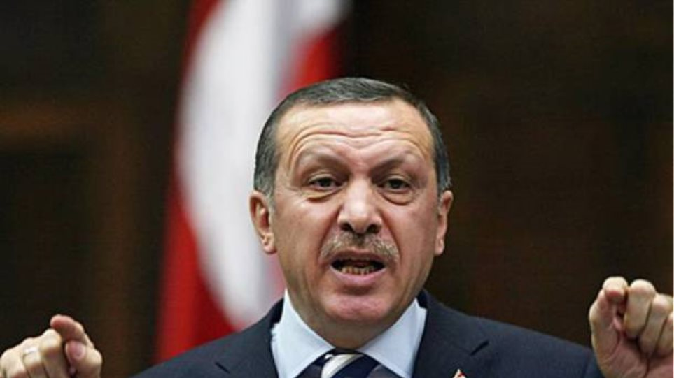 Υπέρ της μαντίλας ο Ερντογάν