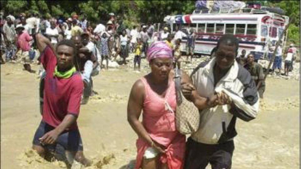 Πλημμύρες στους καταυλισμούς των σεισμοπαθών στην Αϊτή