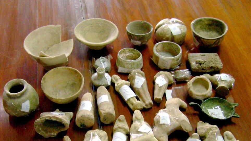 Βρέθηκαν 638 αρχαία αντικείμενα σε αποθήκη