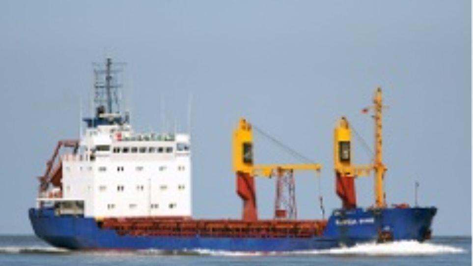 Αποτυχημένες οι προσπάθειες αποκόλλησης πλοίου από το λιμάνι της Κορίνθου