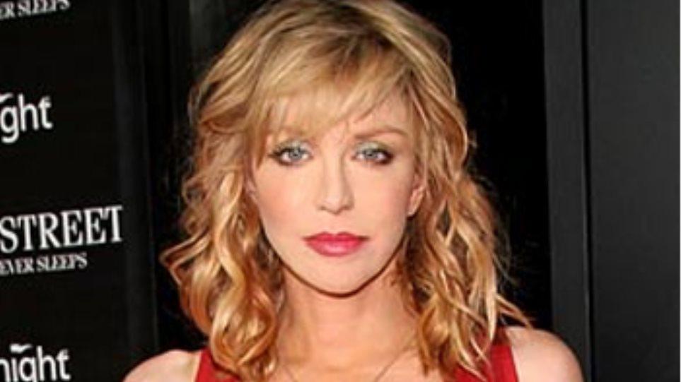 Εμφάνιση κόκκινου χαλιού για την… Courtney Love