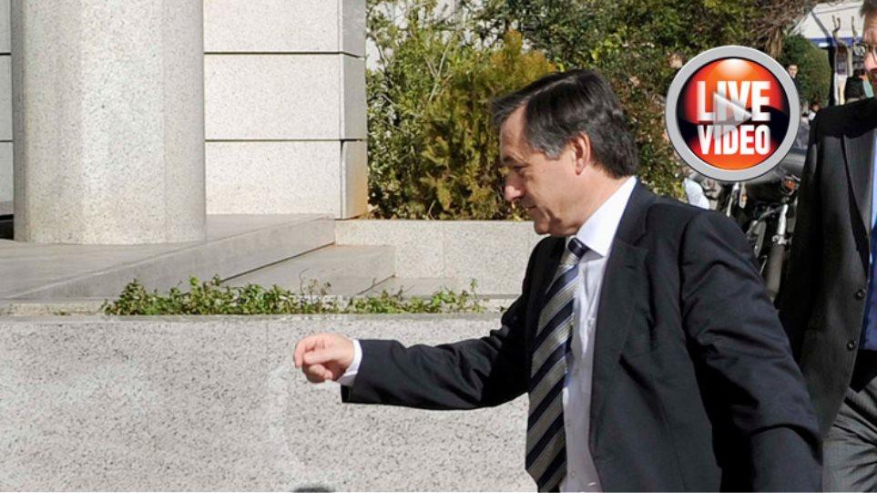 Μαραθώνιος διαπραγματεύσεων με την Tρόικα