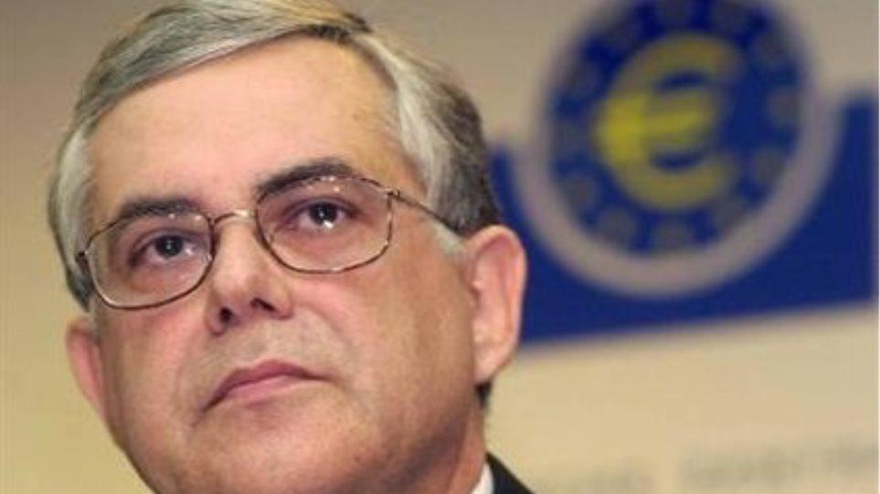"""Παπαδήμος: """"Όχι αναδιάρθρωση χρέους, ανάπτυξη το 2011"""""""