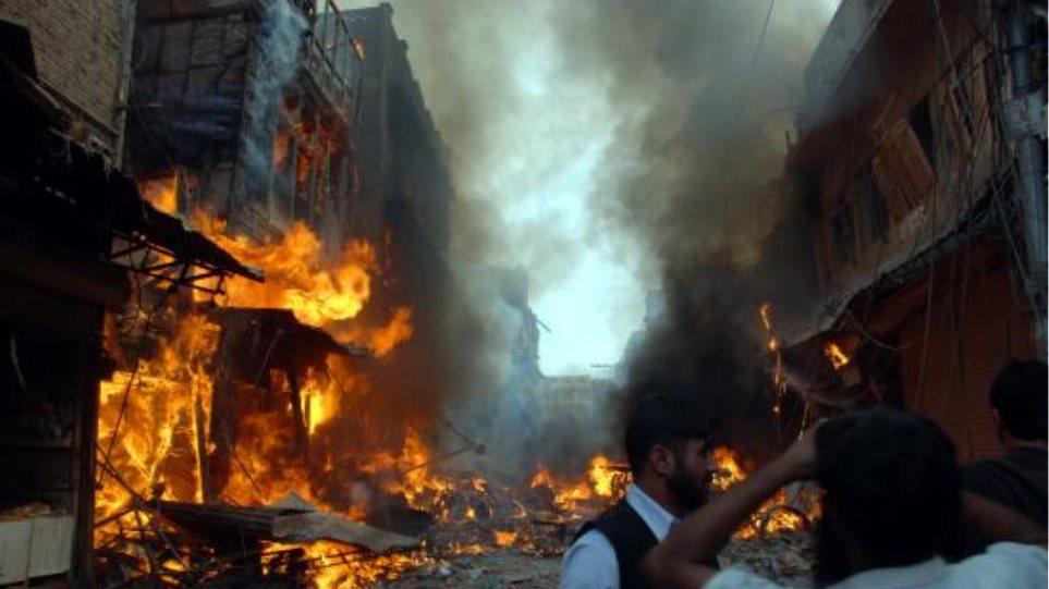 19 οι νεκροί από την επίθεση αυτοκτονίας στο Πακιστάν