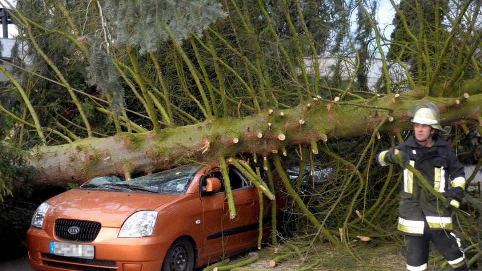 H καταιγίδα Xynthia σάρωσε την Ευρώπη