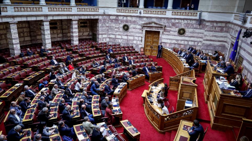 Ενός λεπτού σιγή στη Βουλή για τον Κωνσταντίνο Κατσίφα