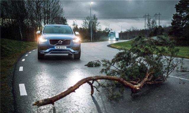 Η Volvo ενισχύει την οδική ασφάλεια