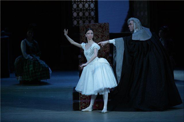 «Κοππέλια»: Τα μπαλέτα Μπολσόι σε απευθείας μετάδοση από τη Μόσχα