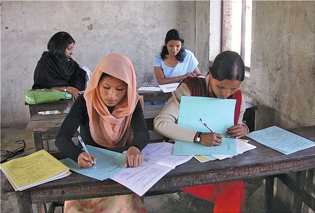 Unicef: Ένα στα τρία κορίτσια στη νότια Ασία δεν πάει σχολείο όταν έχει περίοδο