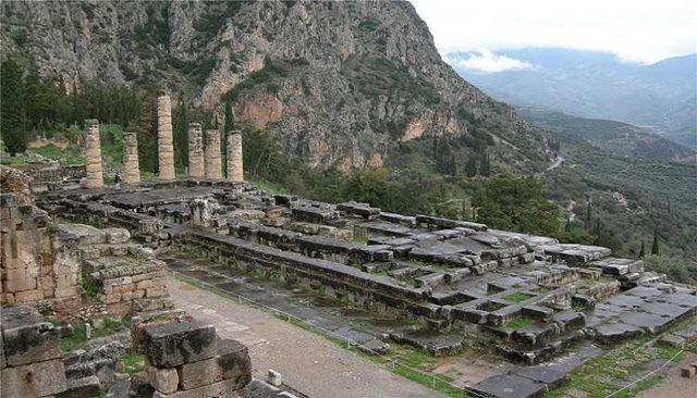 Recitals of Hadjidakis' music will open the Delphi Festival