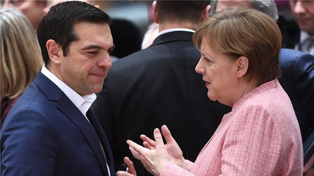 Σε... αναμμένα κάρβουνα η Μέρκελ για το Σκοπιανό: Τηλεφώνησε ξανά σε Τσίπρα και Ζάεφ