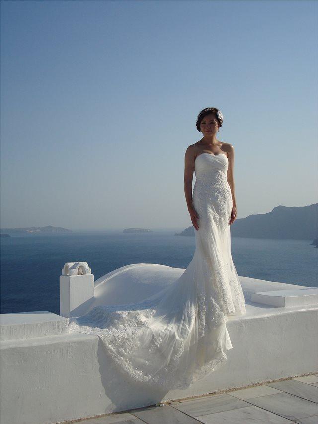 Γαμήλιος τουρισμός στη Σαντορίνη: Προβολή μέσα από ξένη τηλεοπτική σειρά