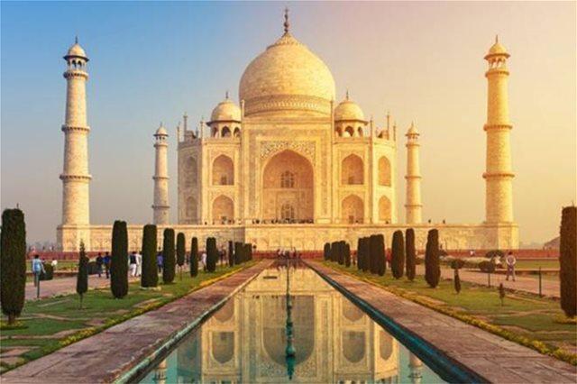 Το Ταζ Μαχάλ «βάφεται» κίτρινο από τη ρύπανση