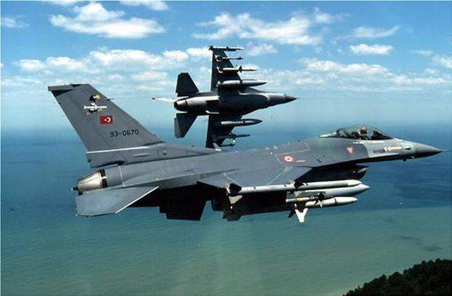 Εικοσιπέντε παραβιάσεις από τουρκικά F-16 και ελικόπτερα στο Αιγαίο