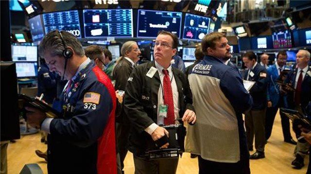 Απώλειες στη Wall Street μετά τη «βόμβα» Τραμπ για Κιμ