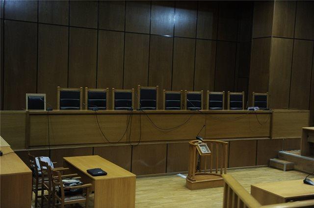 Ενοχή Φουρλεμάδη πρότεινε η εισαγγελέας για  τα 5 εκατ. που δόθηκαν στην ΜΚΟ «Αλληλεγγύη»