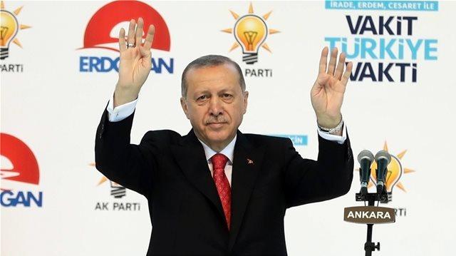 Κοντά στο κραχ η τουρκική οικονομία: Φήμες για capital controls!