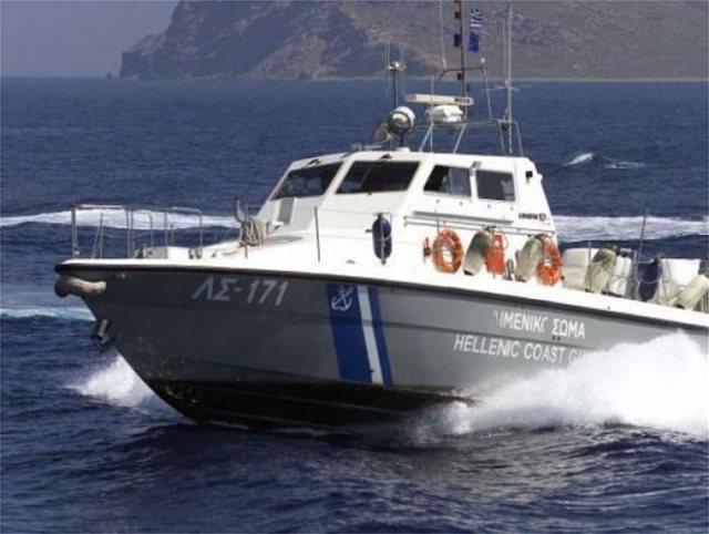 Περιπέτεια εν πλω τη νύχτα για επιβάτες πλοίου προς την Κρήτη: Άντρας έπεσε στη θάλασσα