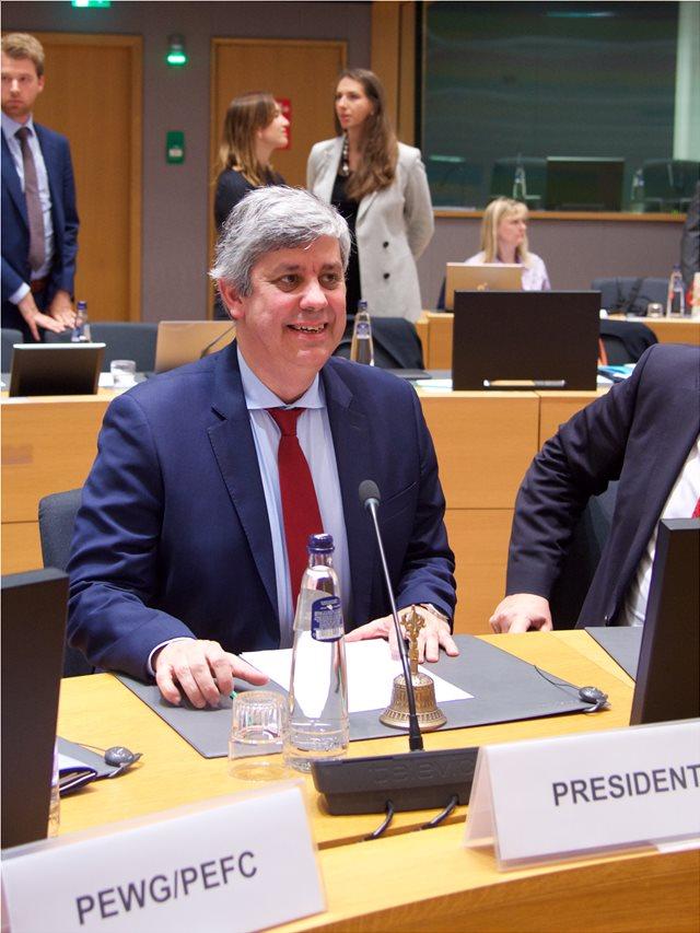 Σεντένο μετά το Eurogroup: Σύγκλιση, όχι συμφωνία για το ελληνικό χρέος