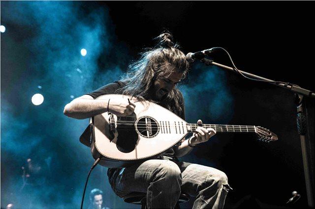 Ο Γιάννης Χαρούλης για μια μοναδική συναυλία στη Θεσσαλονίκη