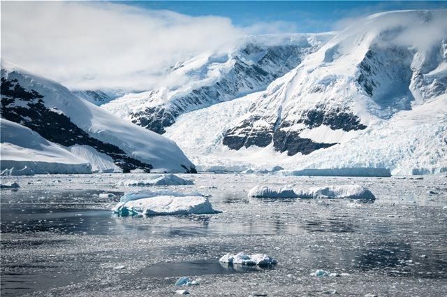 Ανταρκτική: Ανακαλύφθηκαν τρία γιγάντια φαράγγια κάτω από τους πάγους