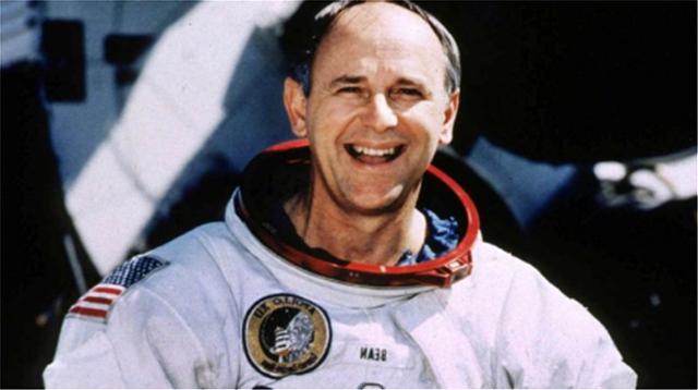 Alan Bean, US astronaut & moon-walker, dies in Houston at 86