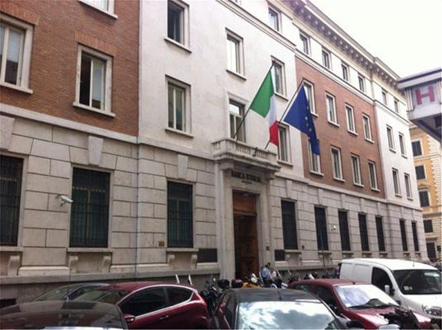 Η ιταλική πρεσβεία στο Βερολίνο απαντά στο Spiegel: Επικίνδυνος δρόμος να ασκείτε κριτική σε έναν ολόκληρο λαό