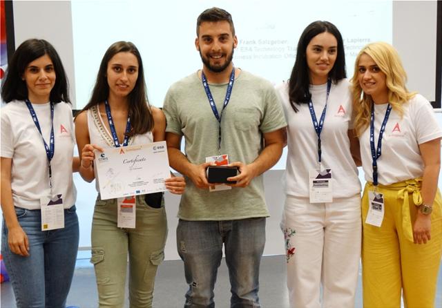 Δύο νέοι Έλληνες φοιτητές πρωτοπορούν: Φρέσκο φαγητό στο διάστημα... made in Greece