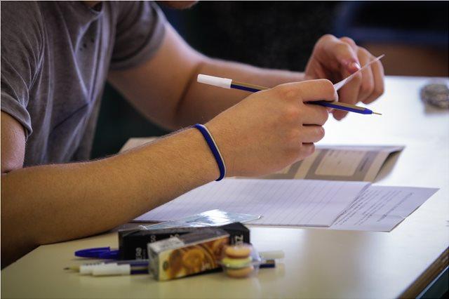 Ιωνίδειος Σχολή: Έδωσαν «μισά» στους μαθητές τα θέματα των εισαγωγικών εξετάσεων