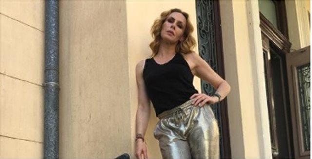 Η κόρη της Εβελίνας Παπούλια έχει υπέροχη σιλουέτα και ποζάρει με μαγιό στο Instagram