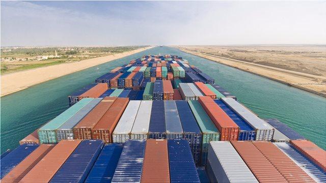 Μεγάλη αύξηση στα έσοδα της Διώρυγας του Σουέζ