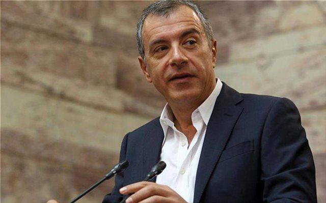 Θεοδωράκης: Πορευόμαστε με σταθερές θέσεις, όχι με σημαίες ευκαιρίες