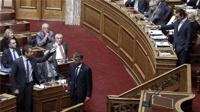 Εκτός ορίων η σύγκρουση κυβέρνησης - ΝΔ με επίκεντρο πλέον την οικογένεια Τσίπρα