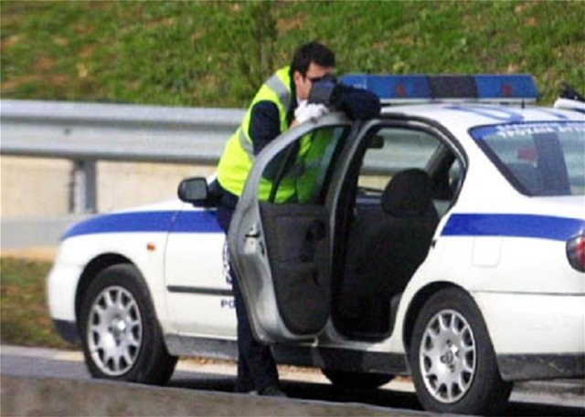 Βόλος: «Νταής» δικηγόρος έβρισε αστυνομικούς και αρνήθηκε έλεγχο