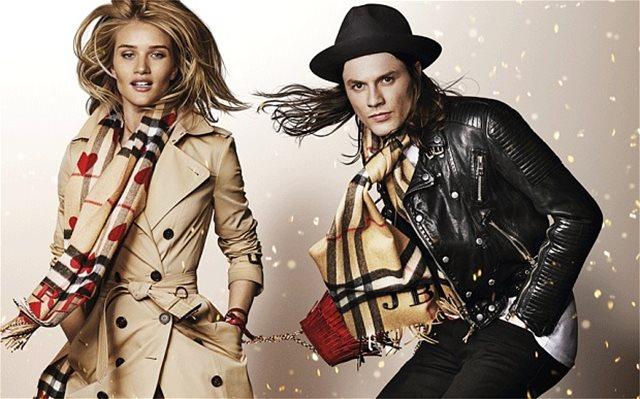 H Burberry έκανε φέτος «στάχτη και μπούρμπερη» ρούχα αξίας 31 εκατ. ευρώ για να μην τα φορέσει... η πλέμπα!