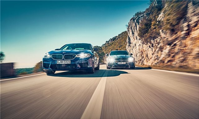 Σύγκρουση κορυφής: BMW M5 vs MERCEDES AMG E63 S