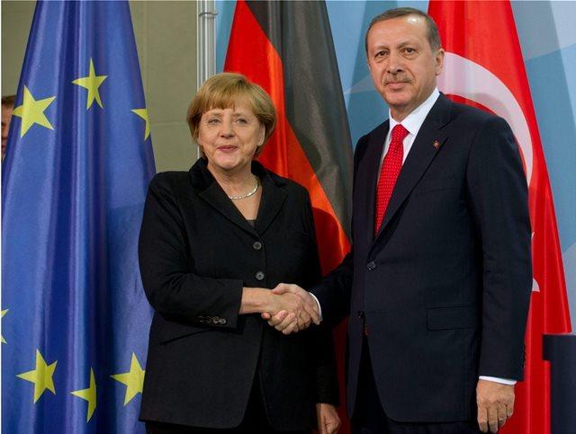 Μέρκελ σε Ερντογάν: Θα στηρίξουμε μία ισχυρή τουρκική οικονομία