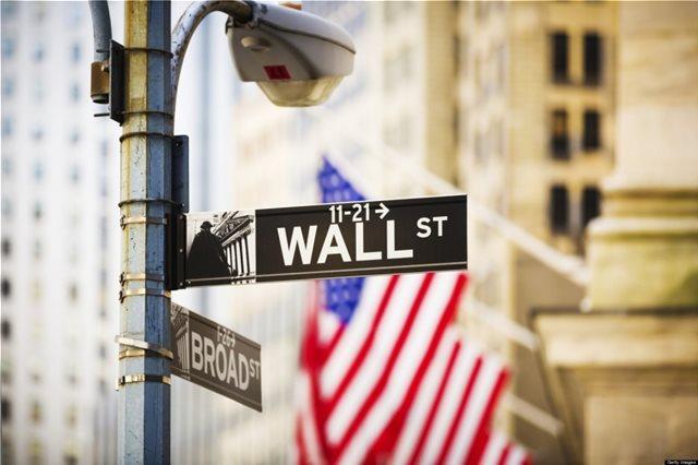 Ισχυρά κέρδη στη Wall με τα «βλέμματα» σε ΗΠΑ και Κίνα