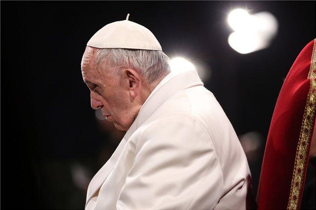Στο πλευρό των θυμάτων σεξουαλικής κακοποίησης από ιερείς ο Πάπας