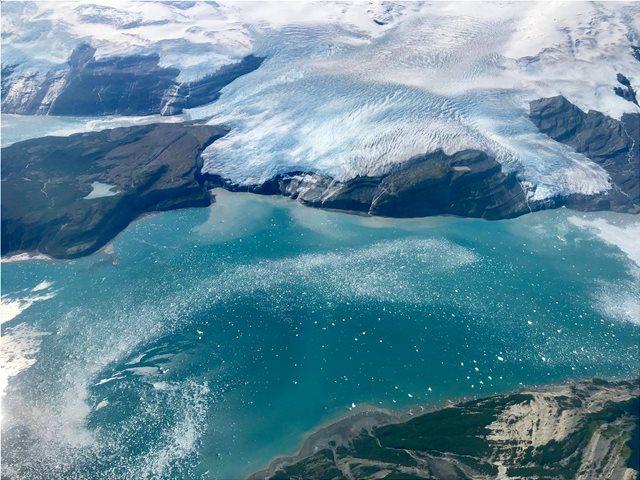 Εκπληκτικές εικόνες: Η Αρκτική... κάτω από τους πάγους