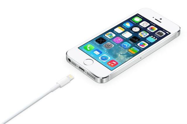 Η Apple αλλάζει το φορτιστή στο νέο  iPhone XS