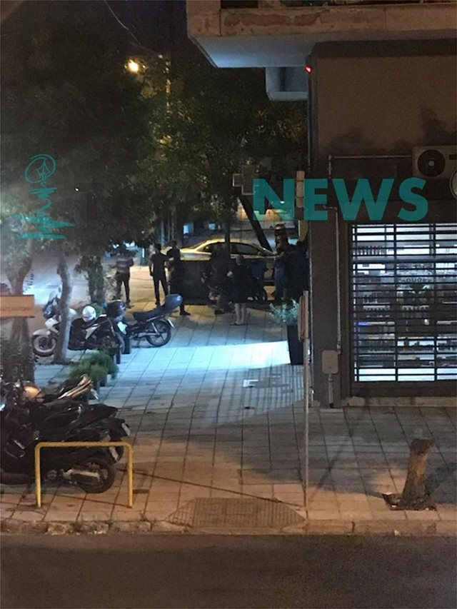 Mετανάστες έκαναν συγκέντρωση διαμαρτυρίας έξω από το ΑΤ Κορδελιού