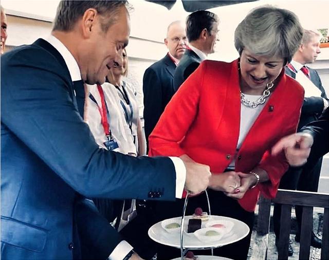 Βρετανός υπουργός Εξωτερικών: Ο Ντόναλντ Τουσκ προσέβαλε τον βρετανικό λαό