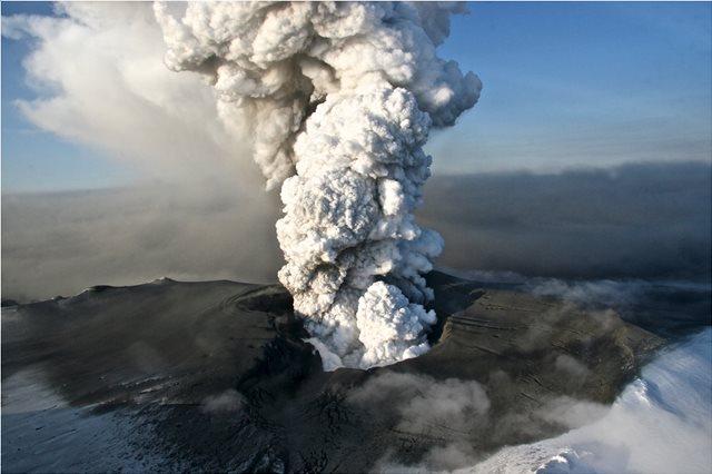 Ισλανδία: «Καμπανάκι» επιστημόνων για επικίνδυνο ηφαίστειο που κρύβεται σε παγετώνα