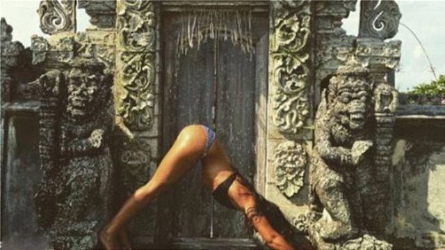 ΜΠΑΛΙ: ΤΕΛΟΣ ΟΙ ΦΩΤΟΓΡΑΦΙΕΣ ΜΕ… ΜΑΓΙΟ ΜΠΡΟΣΤΑ ΣΤΟΥΣ ΝΑΟΥΣ