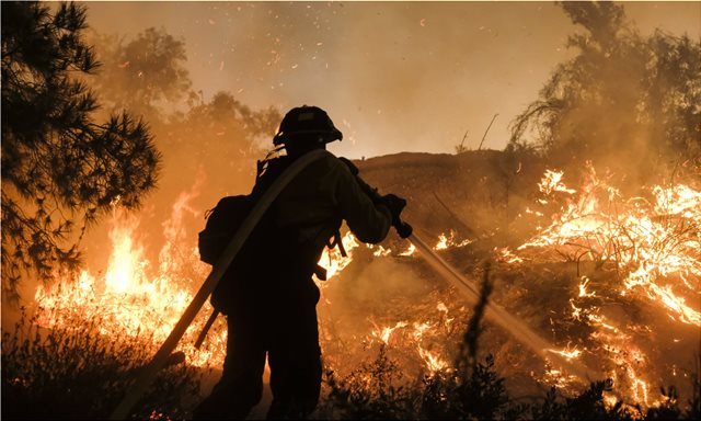 SOS από τους επιστήμονες: Φωτιές, καταστροφές, αφανισμός αν η θερμοκρασία της Γης ανέβει πάνω από 1,5 βαθμό Κελσίου