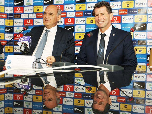 Εθνική ποδοσφαίρου: Όλα ανοικτά με Σκίμπε, προτάθηκε ο Βίλας Μπόας
