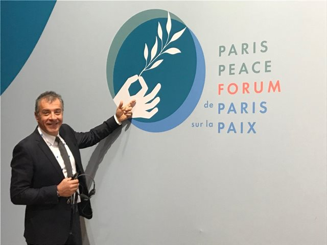 Θεοδωράκης από το Παρίσι: Ευκαιρία για τις δυνάμεις της λογικής οι ευρωεκλογές