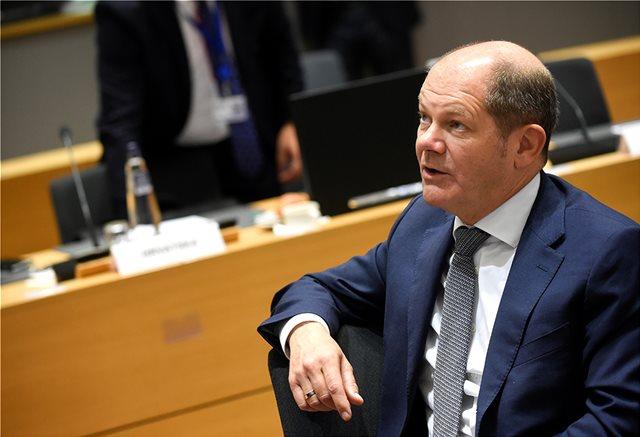 «Μήνυμα» Σολτς για συντάξεις: Είναι σημαντικό να εφαρμοστούν οι συμφωνίες που έγιναν