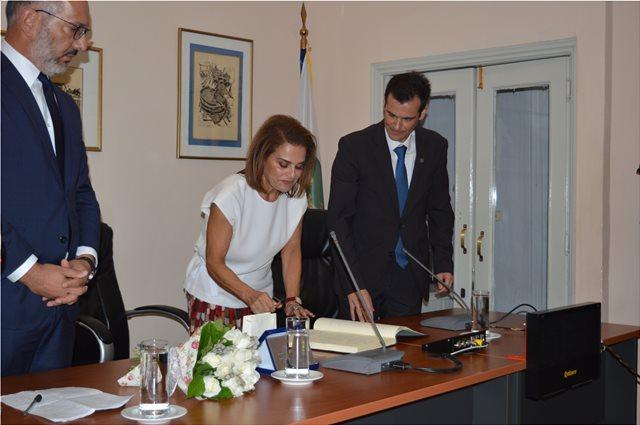 Επίτιμη δημότης Χίου η πρόεδρος του ΠΙΟΠ Σοφία Στάικου